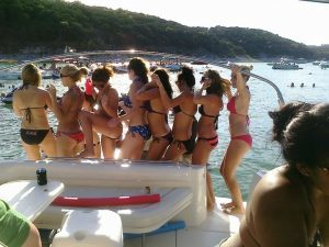 Ladies partying in Devils Cove with Lake Travis Yacht Rentals