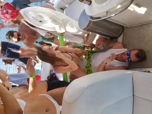 party girls in Devil's Cove - Lake Travis Yacht Rentals